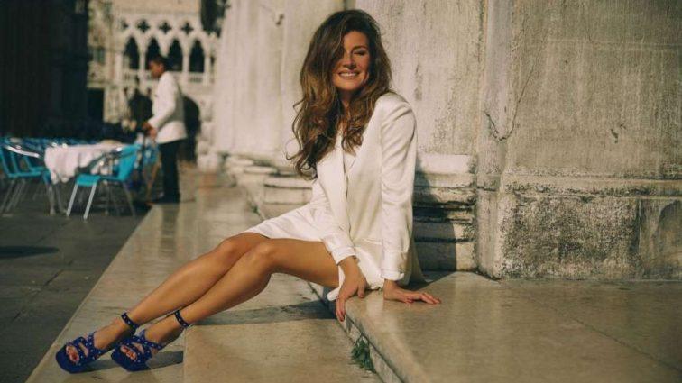 «Люблю приходить рано на пляж…»: Жанна Бадоева впечатлила поклонников фото в купальнике