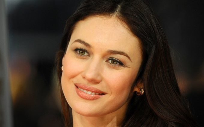 «Она легенда, и выглядит великолепно!»: Ольга Куриленко кардинально изменила свой имидж