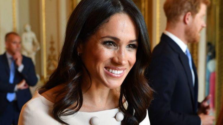 «Было бы ужасно, если бы …»: Королевская семья не знает как избавиться от папы Меган Маркл
