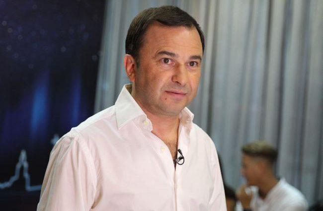 Опять вляпался: Виктор Павлик «засветился» на вечеринке скандального политика
