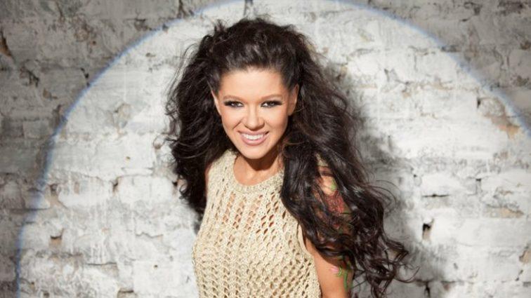 «Такая красота, слов нет»: певица Руслана показала идеальную фигуру и свой дом