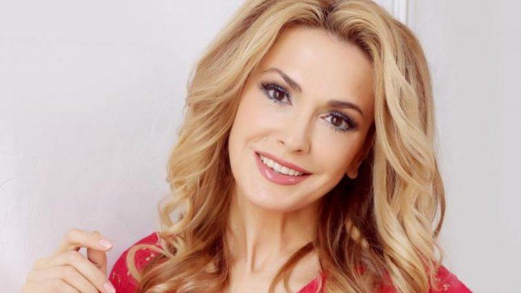 «Время не властно над истинной красотой!»: Ольга Сумская показала фото, какой была в 21 год