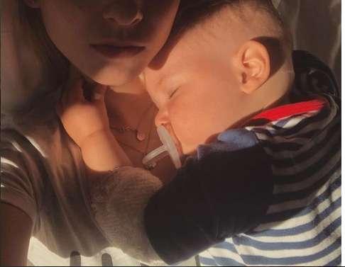 Маленького сына известного украинского певца госпитализировали в больницу