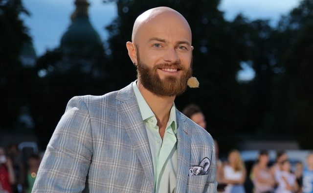 «Волосы эмигрировали на бороду»: Влад Яма продемонстрировал, как выглядел в юности