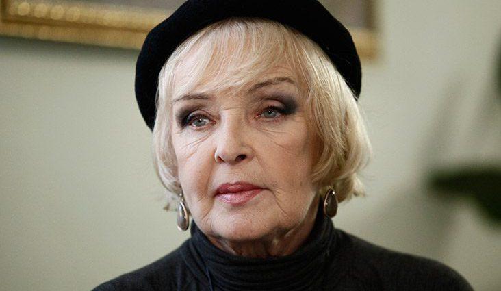 «Счастье видеть внуков своих детей»: Знаменитая актриса Ада Роговцева стала прабабушкой