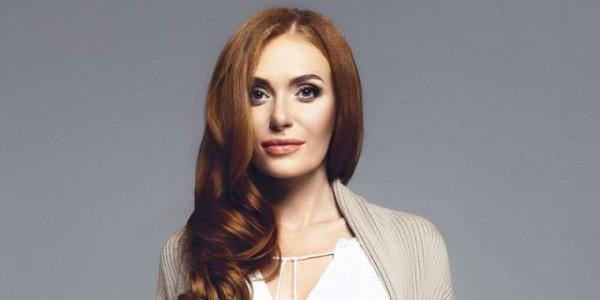 Известная певица и блогер рассказала о своих пластических операциях