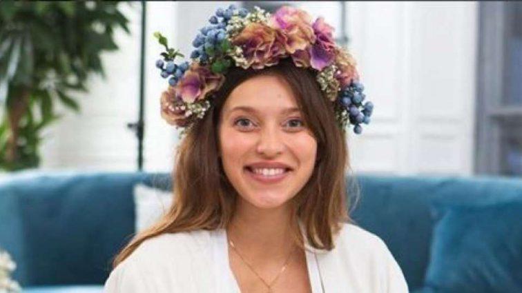 Регина Тодоренко испугала поклонников, сев на шпагат беременной