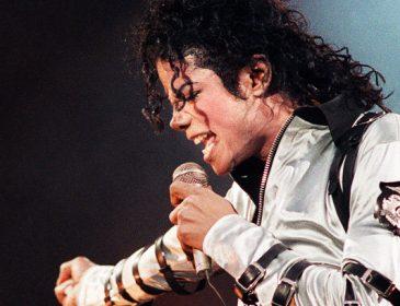 «Там внутри склепа пусто»: фанаты поп-короля Майкла Джексона не верят в смерть легендарного артиста