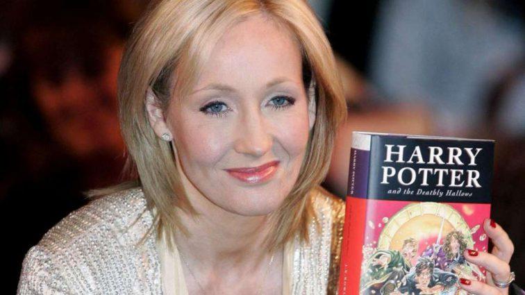 Автор «Гарри Поттера» Джоан Роулинг рассказала, о смерти которого героя из фильма больше всего жалеет