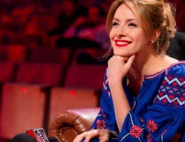 «Без капли косметики»: Елена Кравец показала фото с отдыха вместе с мужем