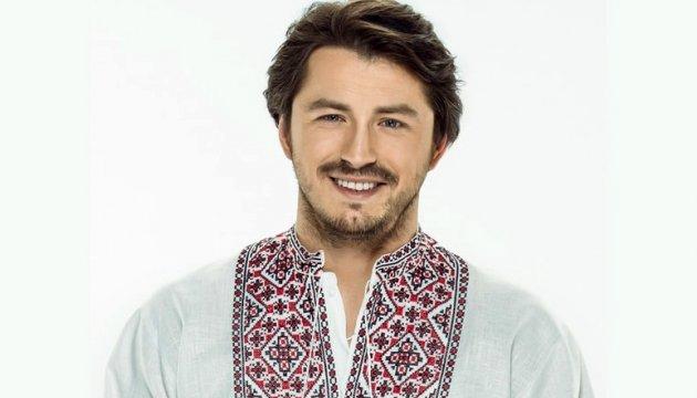 «Девушки, держитесь!»: Сергей Притула впервые показал своего брата-красавчика