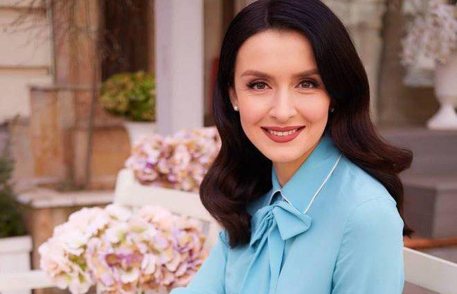 «Сын уважает мамину работу» Валентина Хамайко вернулась в эфир через три дня после родов