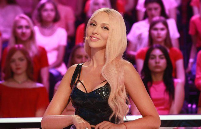 «Ударилась головой и лежу под капельницей»: Оля Полякова попала в больницу перед выступлением