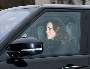 «Везучая»: Кейт Миддлтон заметили за рулем роскошного автомобиля в Лондоне