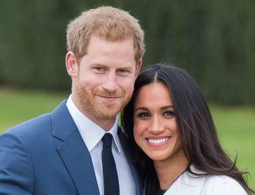 «Герцог и герцогиня Сассекские рады представить»: в Сети появилось редкое фото со свадьбы принца Гарри и Меган Маркл