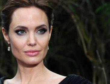 Анджелина Джоли намекнула на то, что не против занять место Трампа