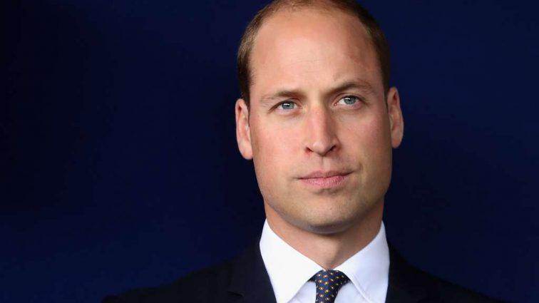 «Приятель, думаю, тебе нужна новая пара обуви!»: Принц Уильям вышел в свет в дырявом ботинке