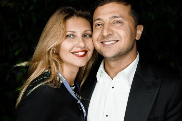 Всегда и во всем вместе с супругой: Владимир Зеленский показал видео со съезда его команды