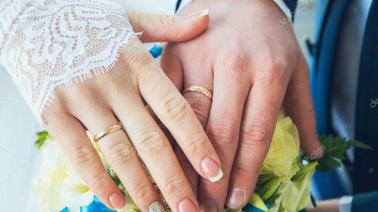 Участник шоу «Танцы со звездами» тайно женился: долго не решался