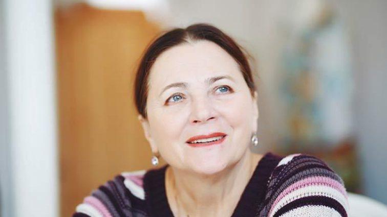 «С бабушкой никогда не скучно»: Нина Матвиенко показала зажигательные танцы с внучкой