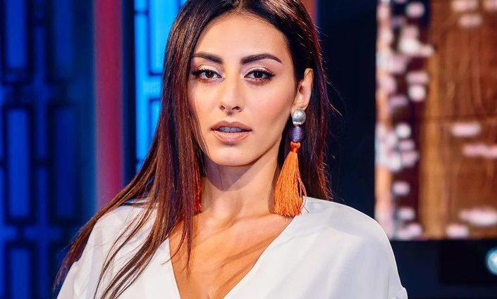 «Так должна выглядеть женщина, когда встречает мужчину»: Роза Аль-Намри ошеломила поклонников необычным образом