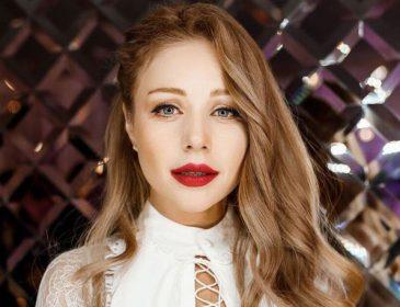 «Приятно видеть настоящих людей»: Тина Кароль поразила лицом без макияжа