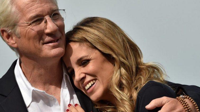 Популярный актер Ричард Гир второй раз стал отцом
