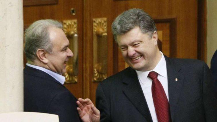 СБУ берет взятки у Порошенко! Бывший чиновник раскрыл схему. Майдан был искусственным!