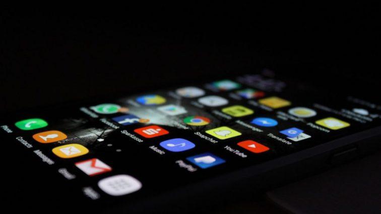 Силиконовый чехол для смартфона: рекомендации по уходу