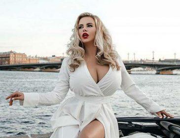 «Женщина в 40 лет – в самом соку!»: Анна Семенович высказалась о материнстве